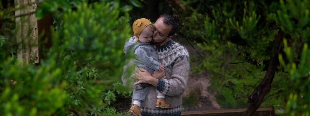 A ciência por trás do abraço - 5 benefícios para você e seu filho