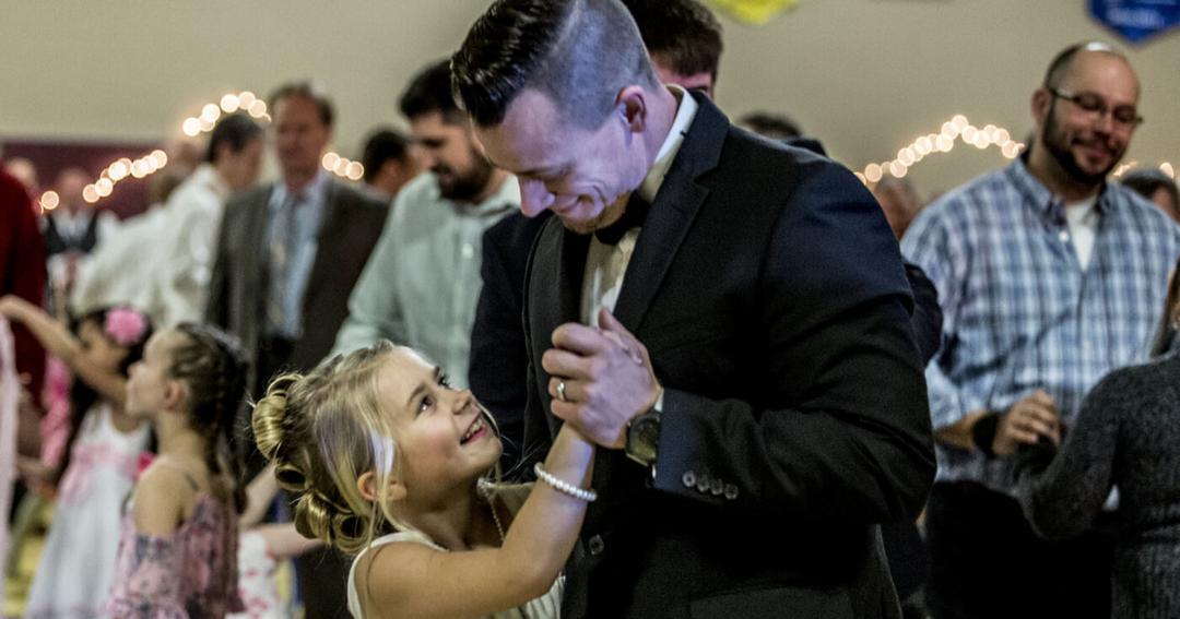 10 melhores maneiras de se manter próximo de sua filha enquanto ela cresce 08