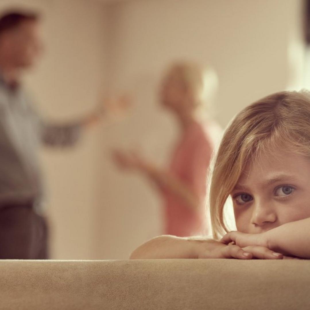 Muitos pais tem o costume de gritar para conseguir alguma reação dos seus filhos. O problema é que isso não funciona.
