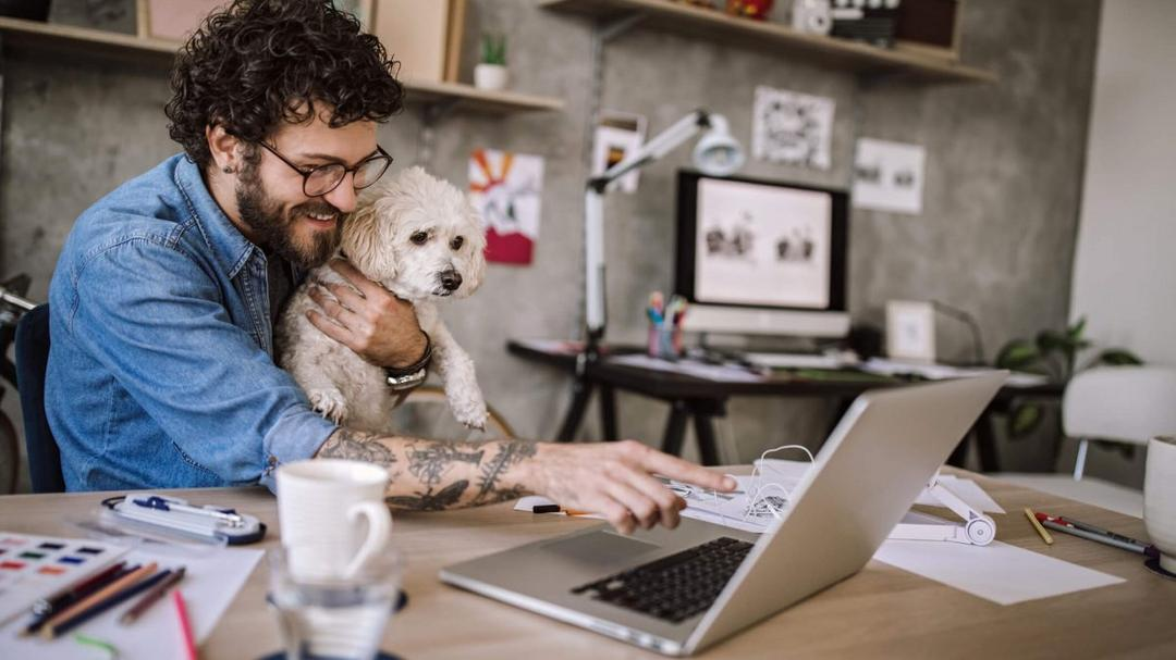 Como pais estão lidando com trabalho, casa e filhos durante o isolamento social? - Papo de Pai