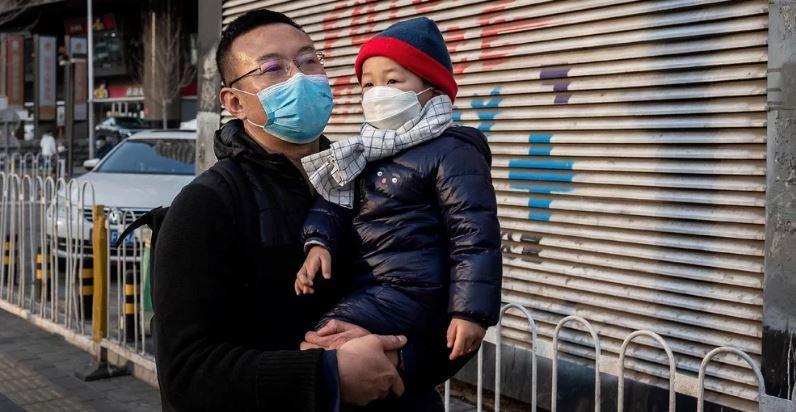 Afinal, nossos filhos devem usar máscaras para sair?