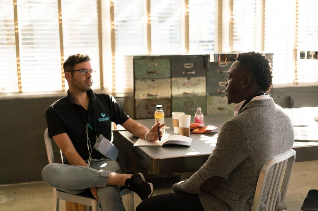 Homens se reúnem em grupos de terapia para serem menos machistas - Papo de Pai