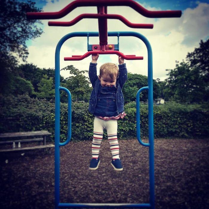 Um pai colocou sua filha em perigo, de brincadeira, por uma boa causa - Papo de Pai