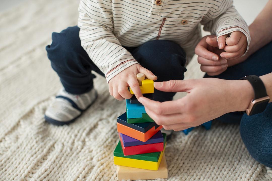 """Fonoaudióloga alerta: """"Isolamento pode prejudicar crianças no desenvolvimento da fala - Papo de Pai"""