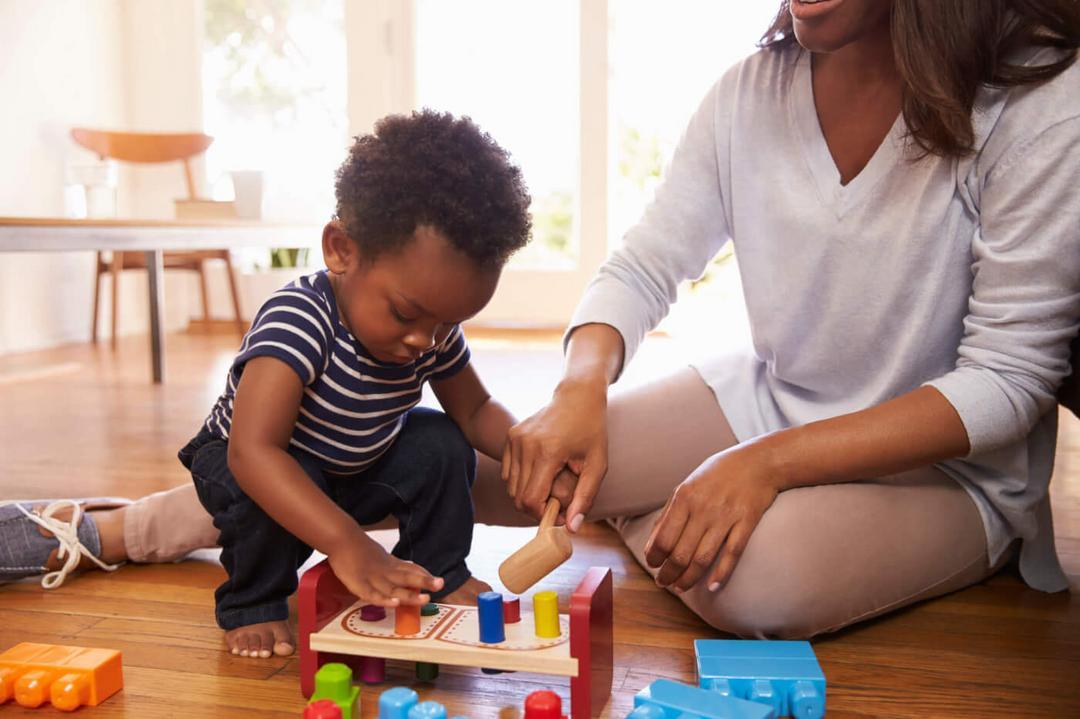 Dê aos seus filhos experiências e tempo em vez de brinquedos - Papo de Pai