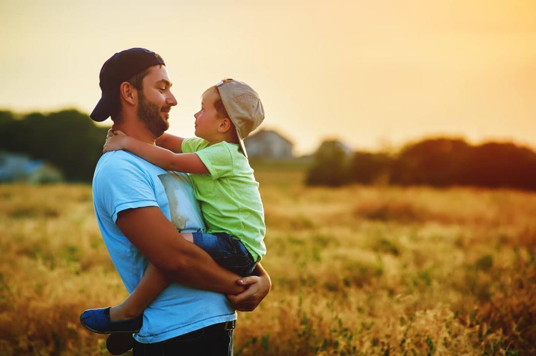 Ensinei meu filho a ser homem. Eu deveria ter ensinado a ele como ser pai - Papo de Pai