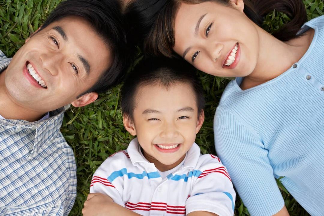 Estudo comprova, os caçulas são os mais engraçados - Papo de Pai