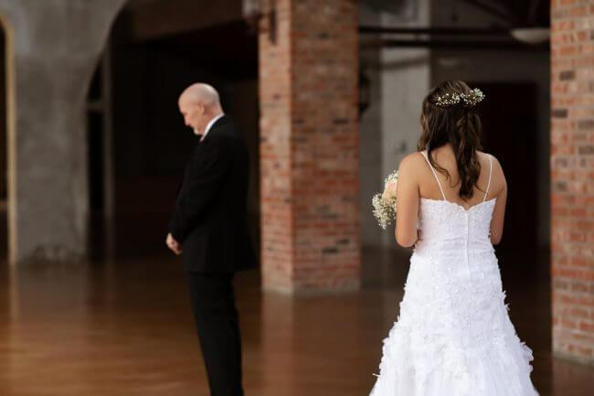 Filhas criam uma linda memória para pai com câncer terminal - Papo de Pai