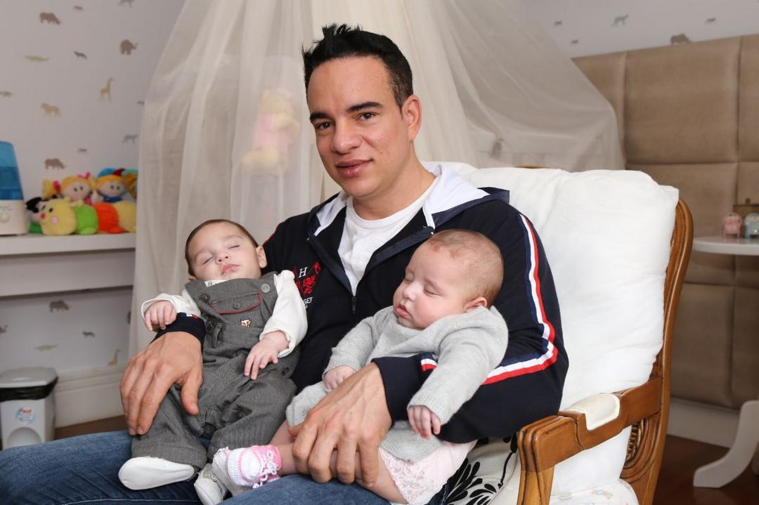 Pai viraliza na web pela maneira como lidou com a primeira menstruação da filha - Papo de Pai