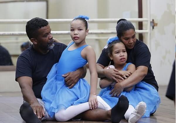 Pedreiro aprende a dançar balé para acompanhar suas filhas autistas - Papo de Pai