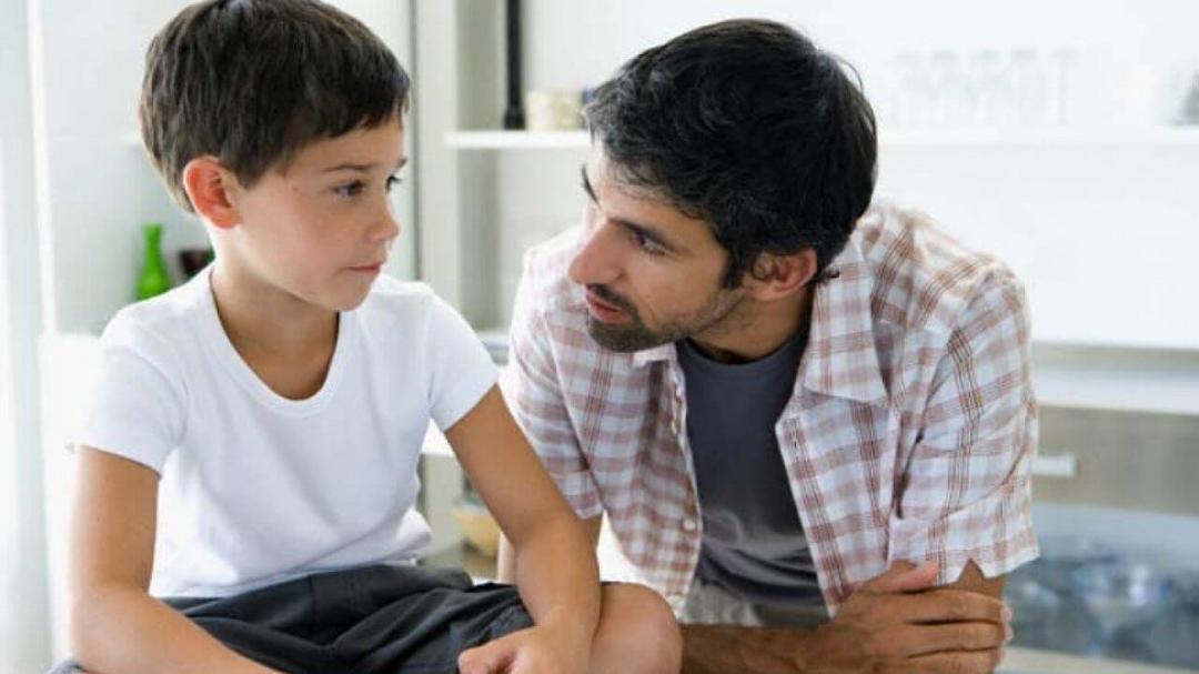 Quando e como conversar com seus filhos sobre sexo - Papo de Pai
