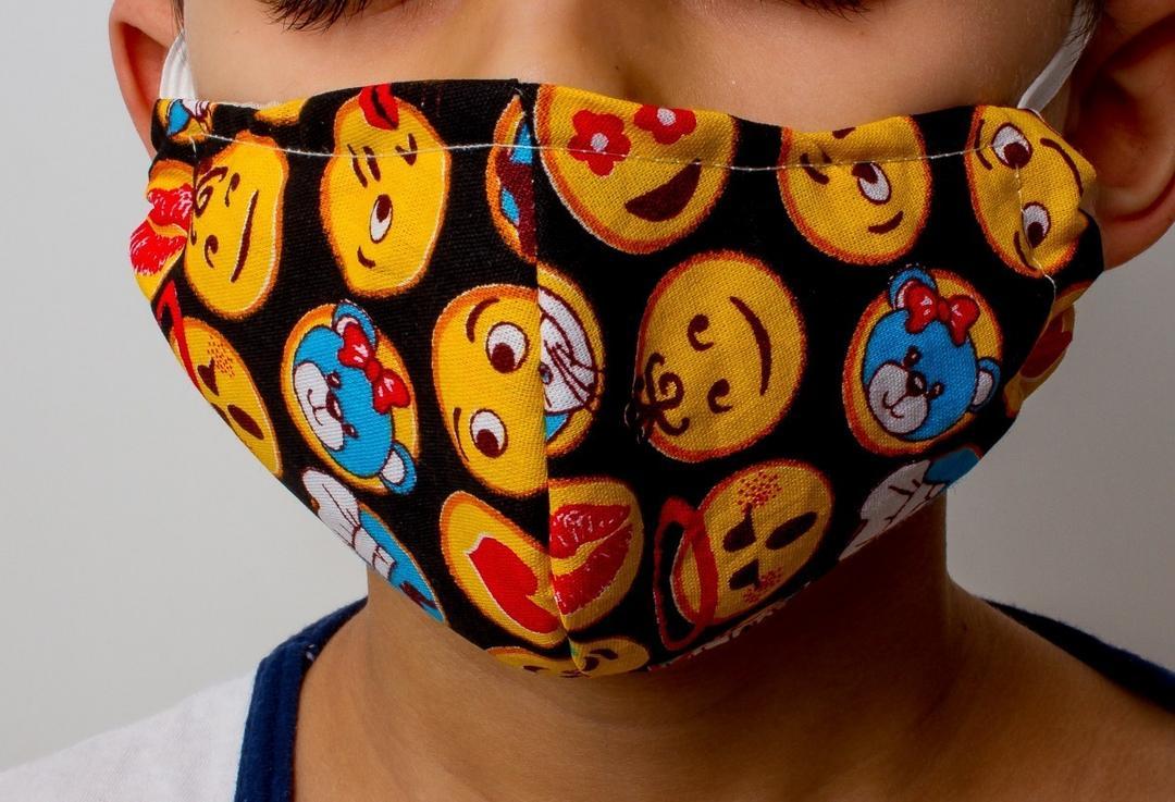 Queremos saber: Nossos filhos precisam mesmo usar máscara em público? - Papo de Pai