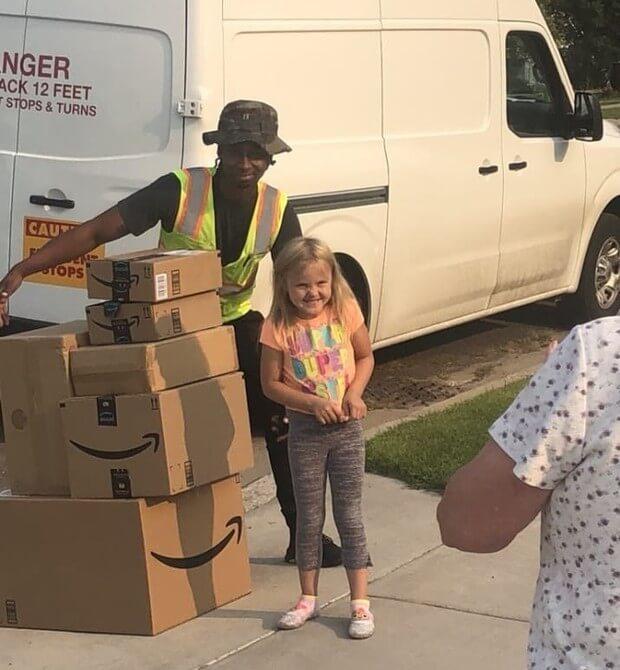 Menina compra mais de mil reais em brinquedos usando conta da Mãe na Amazon - Papo de Pai