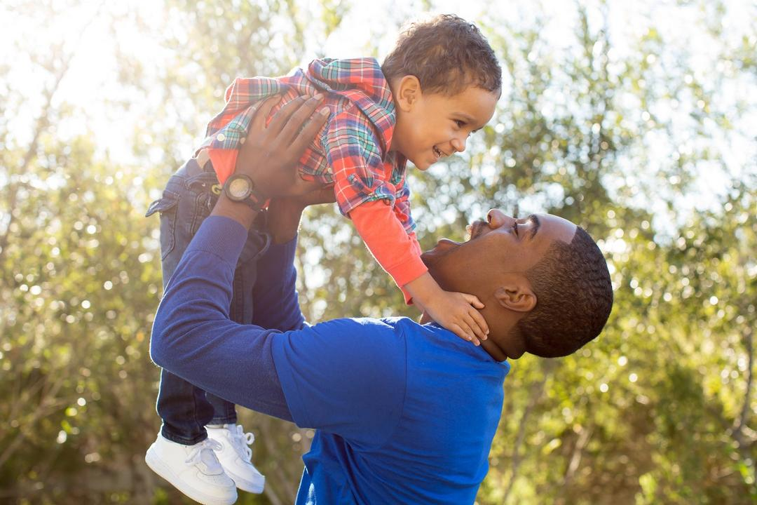 Ser verdadeiro com seu filho é a melhor maneira de educá-lo - Papo de Pai