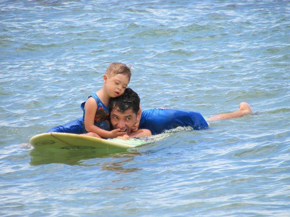 Pai incentiva filho com Síndrome de Down com esportes e conta sobre sua evolução - papodepai.com
