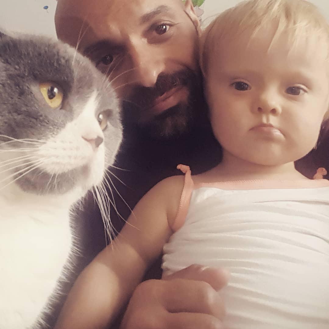 Pai solteiro adota menina com Síndrome de Down rejeitada 20 vezes - Papo de Pai
