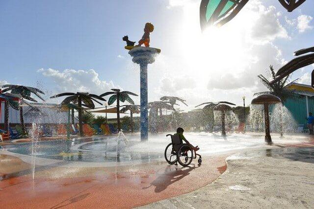 Parque Aquatico para Crianças com Necessidades Especiais.