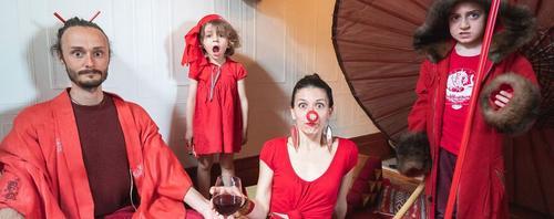 Conheça a família que viajou o mundo em uma sessão de fotos durante a quarentena