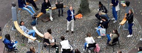 """Na Holanda, aulas ao ar livre são alternativa para evitar a """"miséria digital"""""""